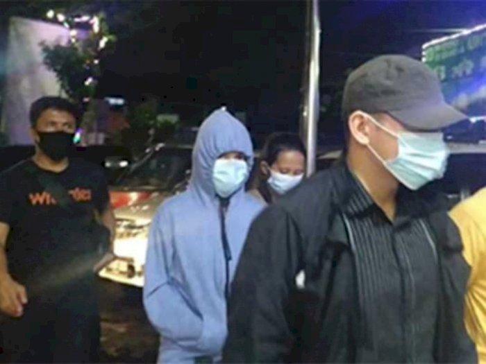 Begini Kronologi Lengkap 2 Artis Digerebek Polisi Saat 'Threesome' di Hotel Jakut