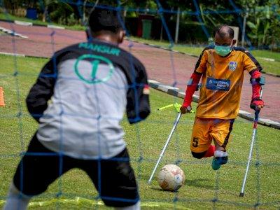 FOTO: Latihan Perdana Tim Macan Amputasian Jakarta