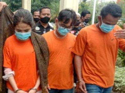 Detik-detik Oknum Anggota DPRD Ditangkap Sepulang Dugem, Polisi Temukan Ekstasi di Mobil