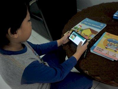 Kemendikbud Sebut Orang Tua Perlu Beri Keteladanan dalam Penggunaan Ponsel