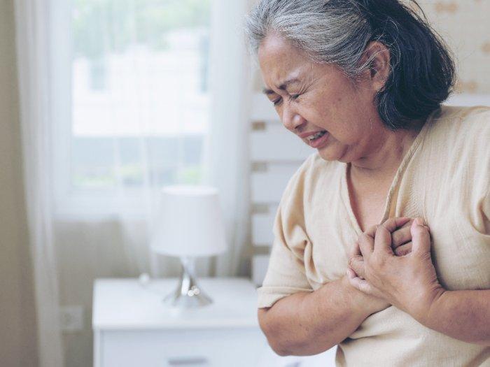 Menguap Berlebihan Tanda Serangan Jantung yang Harus Diwaspadai