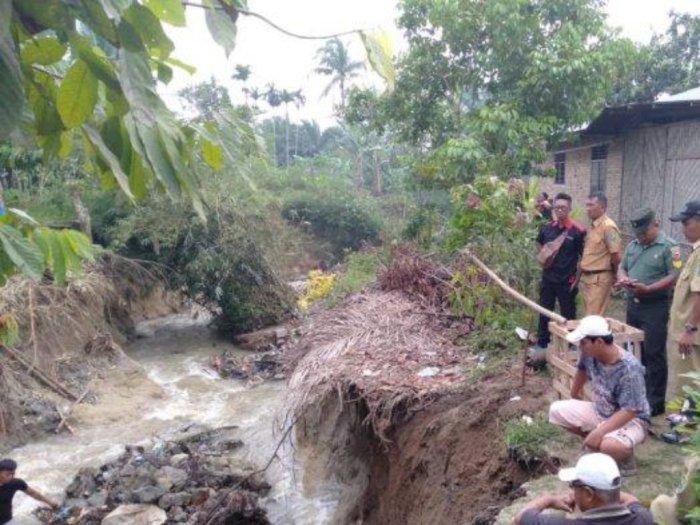 Kerusakan Rumah karena Longsor di Simalungun, Pemerintah Beri Bantuan Ratusan Juta