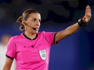 Stephanie Frappart, Wasit Wanita Pertama Liga Champions untuk Laga Juventus vs Dynamo Kiev