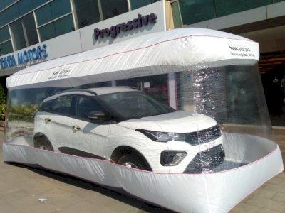 Demi Tangkal COVID-19, Tata Kirim Mobil Buatannya dengan Gelembung Plastik!