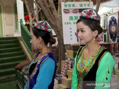 Gunakan Jabatan Untuk Urusan Pribadi, Mantan Wagub Xinjiang Ren Hua Diberhentikan dari CPC