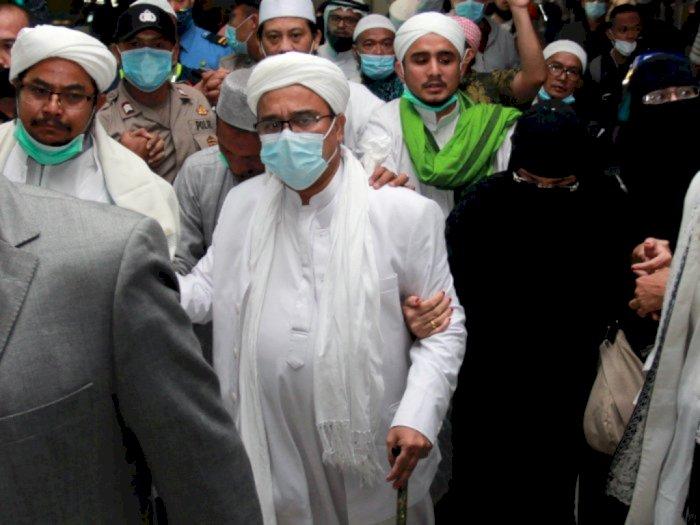 Kerumunan Massa saat Tolak Penyidik di Petamburan Mulai Disorot