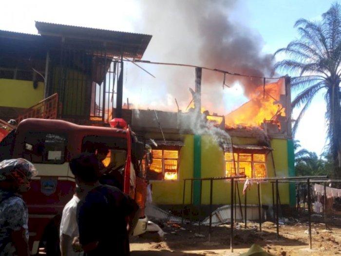 Bangunan Asrama SMP IT Darul Hikmah Pasaman Terbakar Saat Seluruh Siswa Ujian