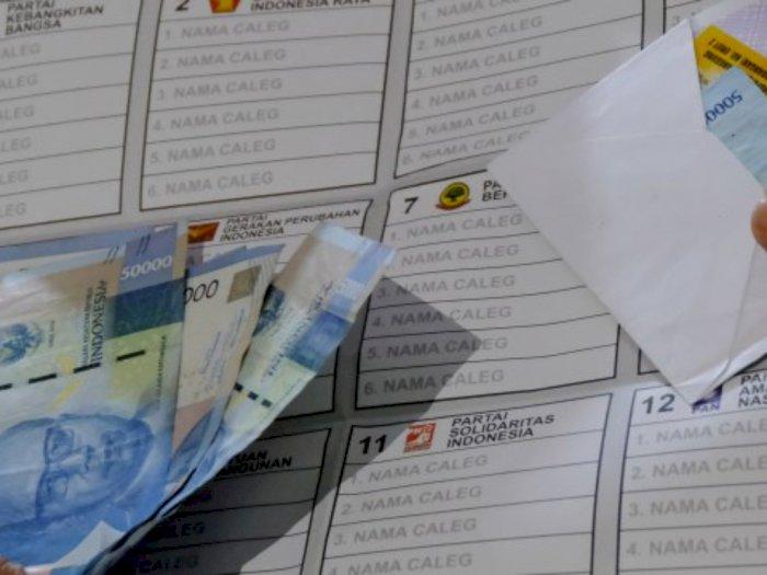 Panwascam Medan Timur Periksa 2 Wanita yang Bagi-bagikan Uang Untuk Pilih Bobby Nasution