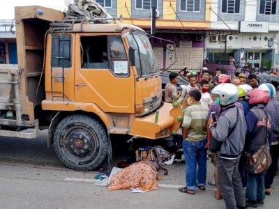 Truk Tronton Seruduk Pengendara Motor, Korban Terseret Hingga 15 Meter
