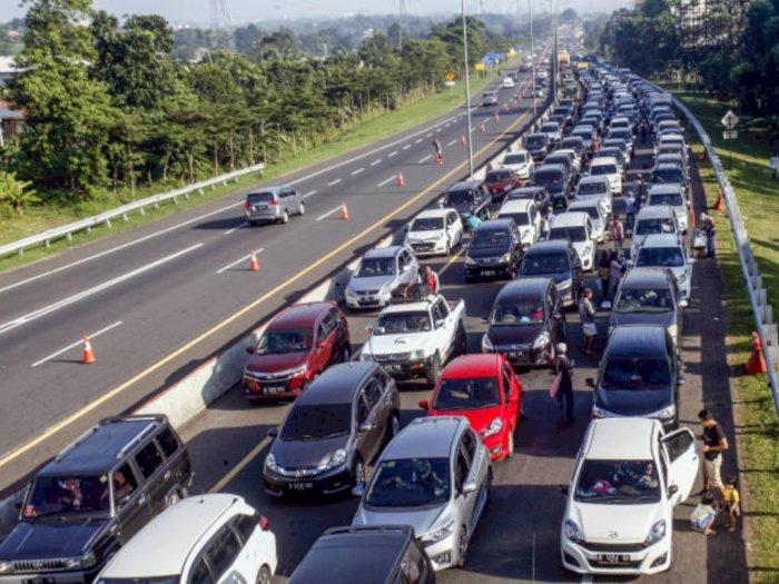 Libur Akhir Tahun Dipangkas, DPR Ingatkan Pemerintah Antisipasi Lonjakan Covid-19