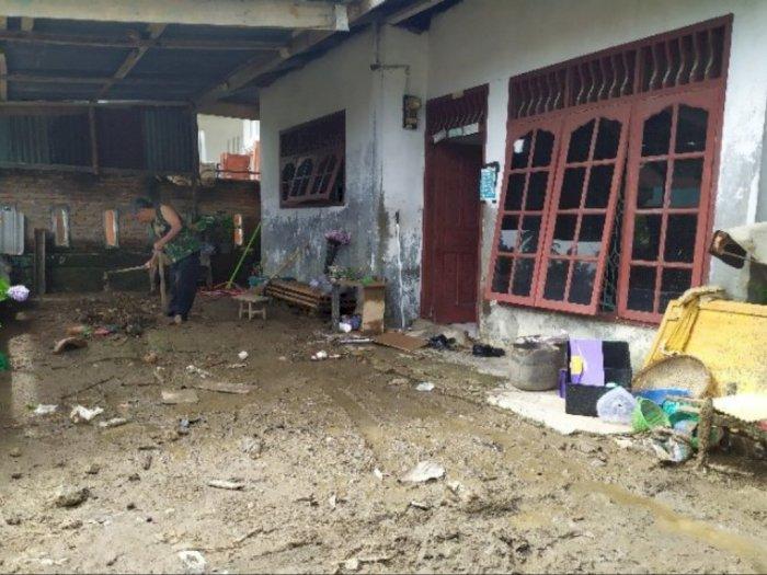 Banjir Kiriman Datang Mendadak, Ratusan Rumah di Simalungun Terendam Air