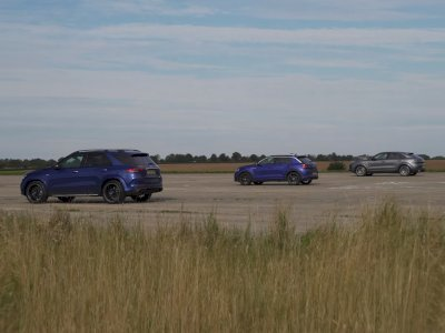 Melihat Drag Race Antara Mobil AMG GLE 53, Porsche Cayenne, dan VW T-Roc R!