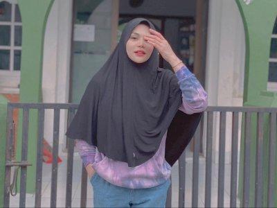Penampilan DJ Katty Butterfly Pakai Hijab Syar'i Buat Netizen Pangling, Didoakan Istiqomah