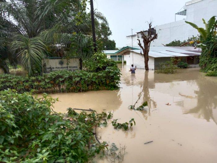 Foto Banjir di Sejumlah Wilayah di Kota Medan Akibat Hujan Deras