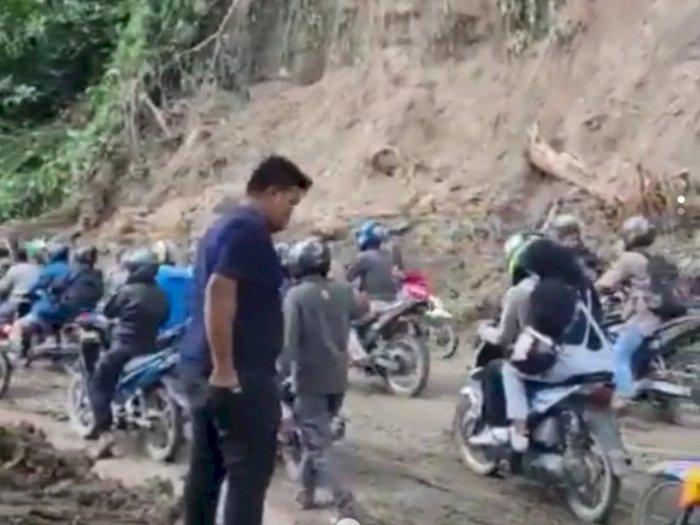 Video Pembukaan Jalur Medan-Berastagi Pasca Longsor, Arus Lalin Padat Merayap