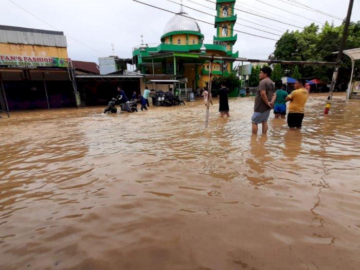 Sungai Kampung Lalang Meluap, Sejumlah Pemukiman Warga Terendam Banjir