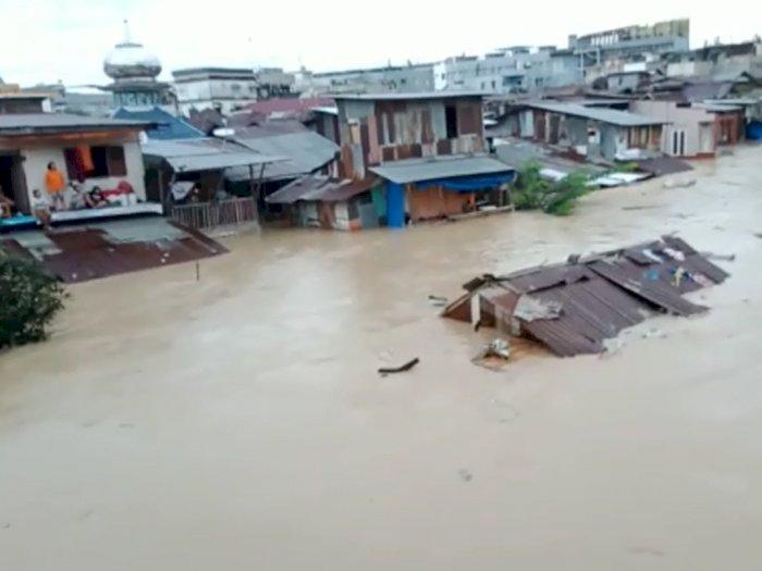 Banjir Besar di Kota Medan, Rumah Hanyut Hingga Ditemukan 2 Korban Tewas Terseret Arus