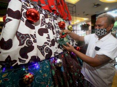FOTO: Pohon Natal dari Kain Batik