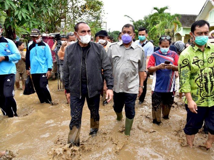 Banjir Besar di Tanjung Selamat, Gubernur Sumut ke Lokasi Bencana tanpa Sepatu Bot