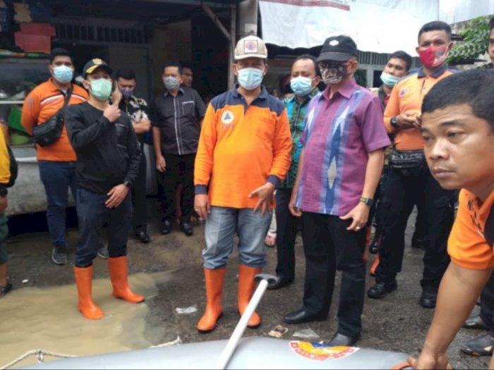 Banjir Besar di Medan, Pemko Medan Minta Warga Saling Tolong-Menolong