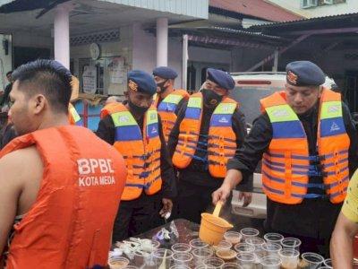 Bantu Warga Terdampak Banjir, Polda Sumut Dirikan Dapur Lapangan di Medan