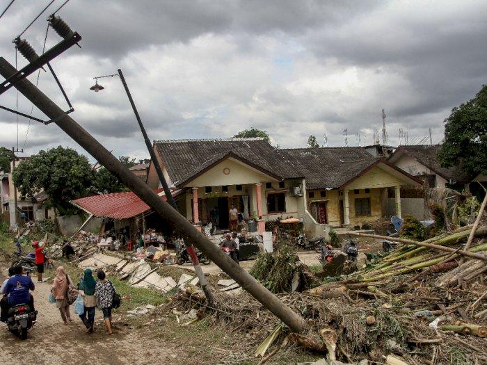 Tim Gabungan Mengintensifkan Pencarian Balita Korban Banjir yang Hilang di Tanjung Selamat