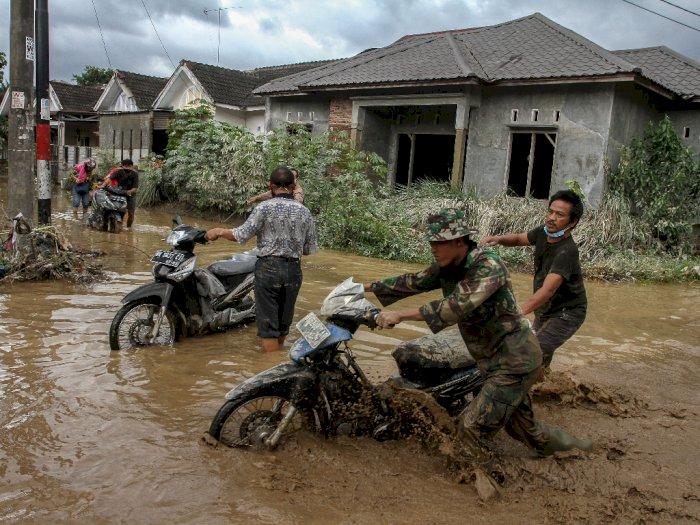 Lima Korban Meninggal Akibat Banjir di Tanjung Selamat Deli Serdang Dikebumikan