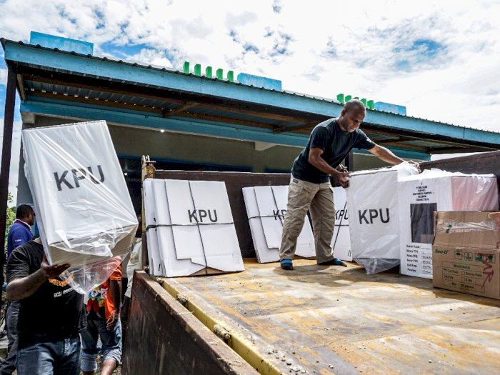 FOTO: Pergeseran Logistik Pilkada Keerom