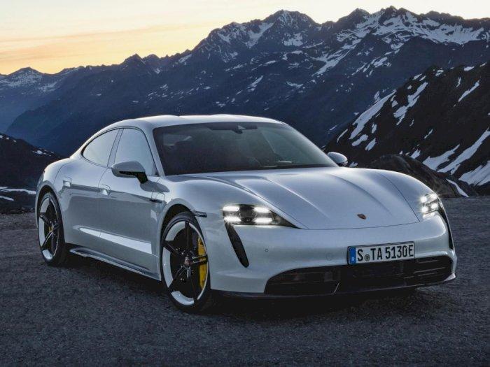 Taycan Menjadi Model Mobil Porsche Paling Laris Selama Bulan November di Inggris