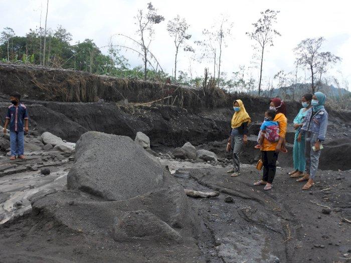FOTO: Aliran Lahar Gunung Semeru