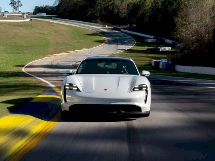 Porsche Taycan Sukses Cetak Rekor Baru di Road Atlanta untuk Mobil Listrik!