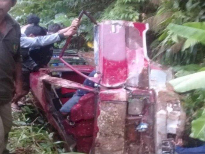Berikut 20 Nama Penumpang Korban Mobil L300 yang Naas Terjun ke Parit di Tapsel