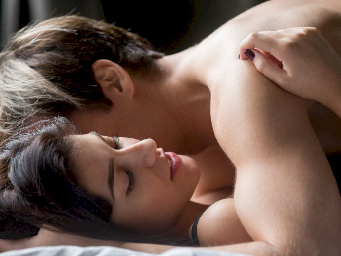 3 Ketakutan Umum yang Membuat Orang Takut Berhubungan Seks
