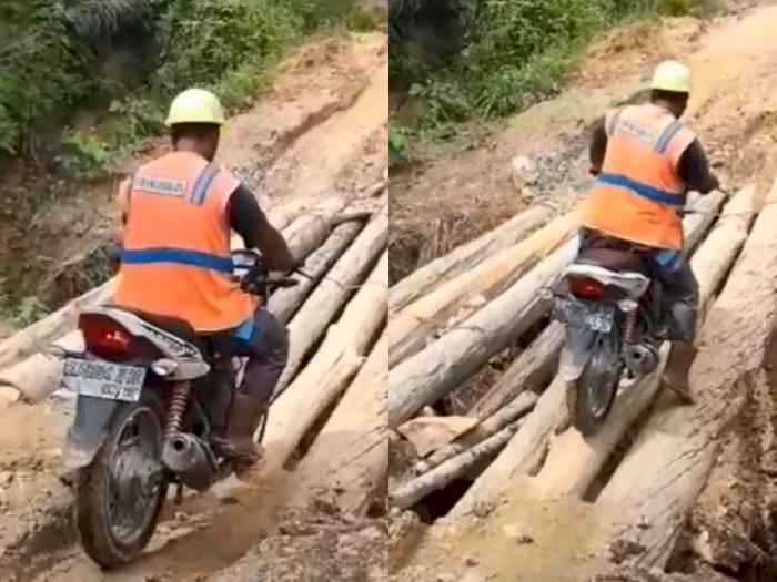 Miris! Video Perjuangan Warga Lintasi Jembatan Darurat dari Batang Pohon di Labura