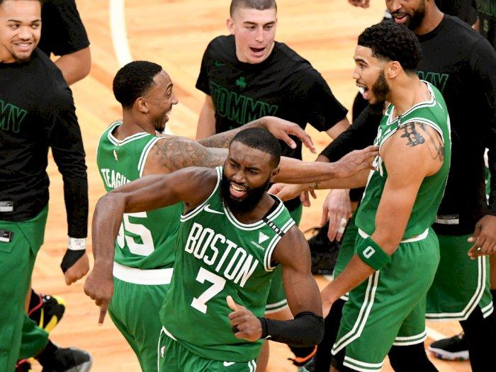 FOTO: Milwaukee Bucks Memulai Musim Dengan Kekalahan 121-122 Atas Celtics