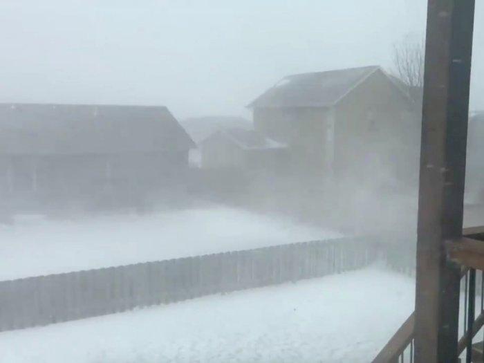 FOTO: Badai Salju Melanda Dakota dan Menyebabkan Perjalanan Terganggu