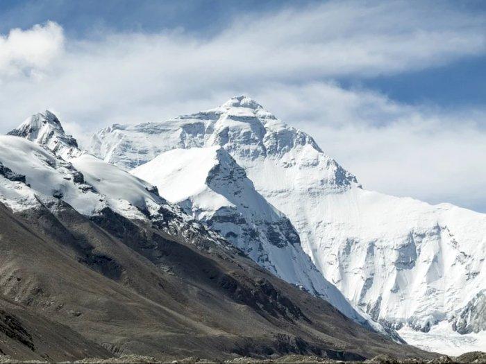 Gunung Everest 'Menyusut' karena Tekanan Udara Menurut Studi