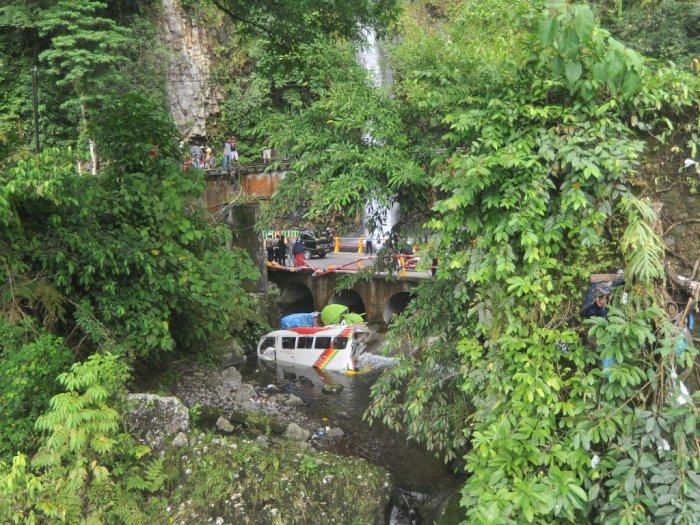 FOTO: Kecelakaan Beruntun Lembah Anai