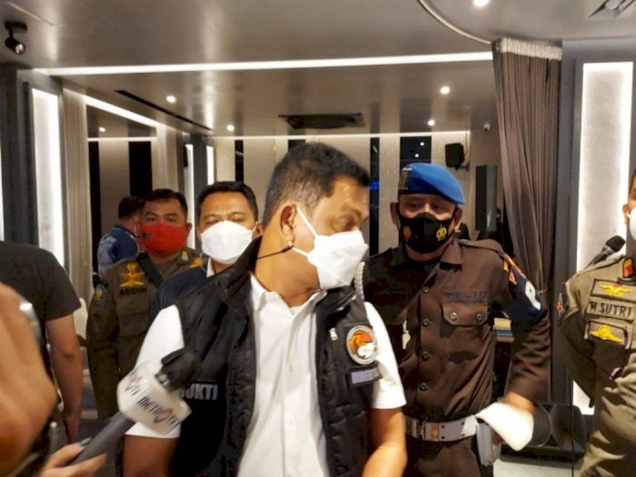 Polisi Temukan Dua Orang Positif COVID-19 saat Razia Kerumunan di D'Bunker Bar Jaksel