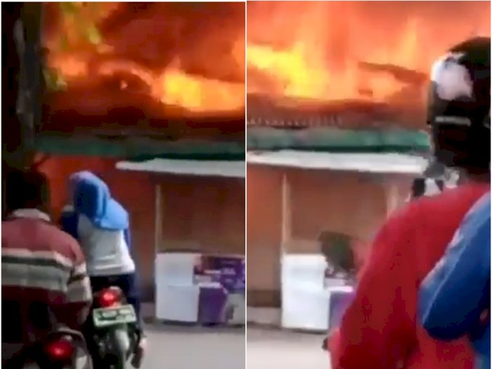 Kebakaran Warteg di Pinggir Jalan Menjadi Tontonan Warga yang Melintas