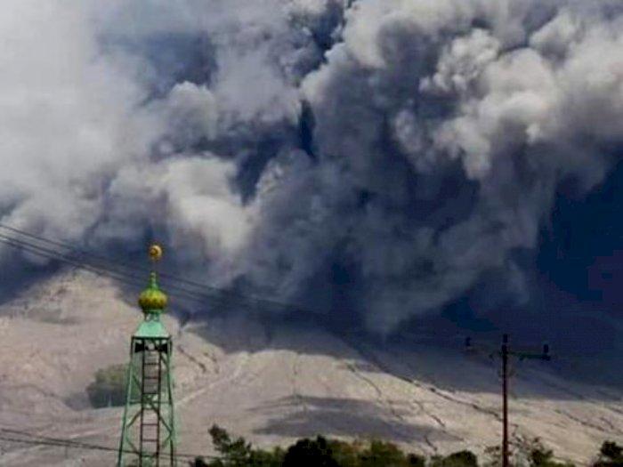 Gunung Sinabung Kembali Erupsi, Warga dan Wisatawan Dilarang Mendekati Zona Merah