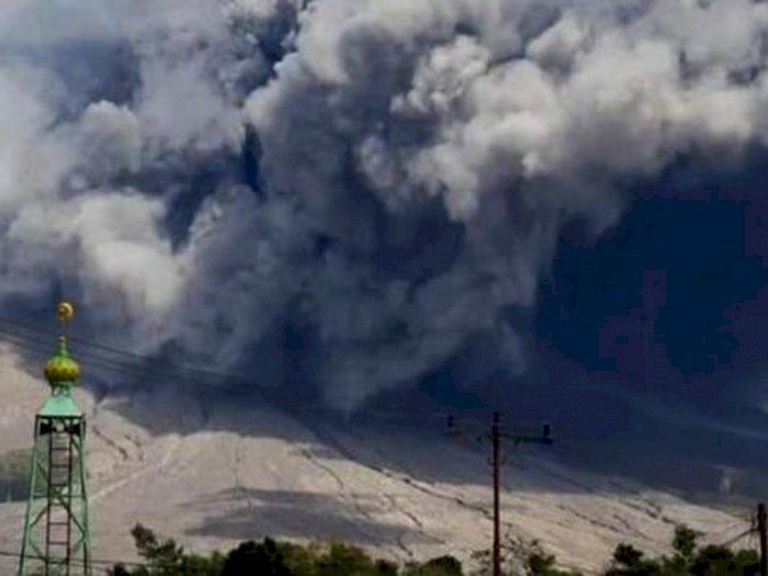 Warga dan Wisatawan Diminta Jauhi Zona Merah, Erupsi Gunung Sinabung Hingga 2.460 Meter