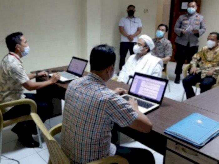 Soal Penghalangan Tes Swab RS Ummi, Habib Rizieq Hanya Menjawab 7 Pertanyaan