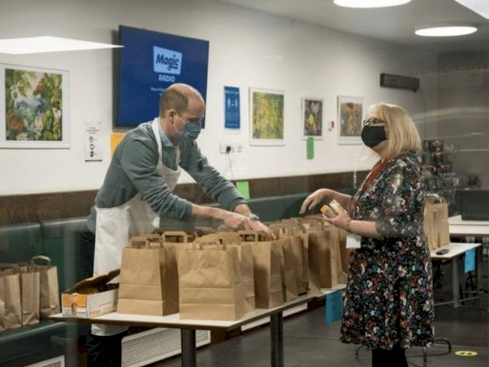 Kenang Kegiatan Bersama Ibu, Pangeran William Kunjungi Pusat Tunawisma saat Lockdown