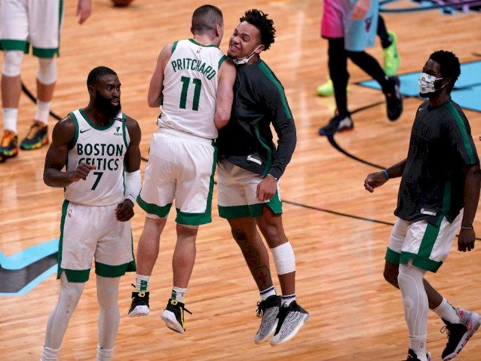 FOTO: Boston Celtics vs Miami Heat 107-105, Pritchard Selamatkan Celtics