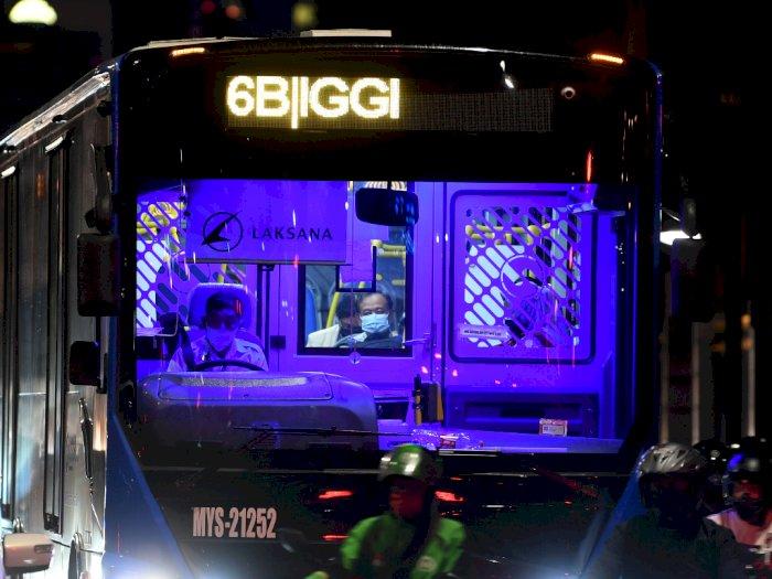 FOTO: Pembatasan Kapasitas dan Operasional Transportasi Umum