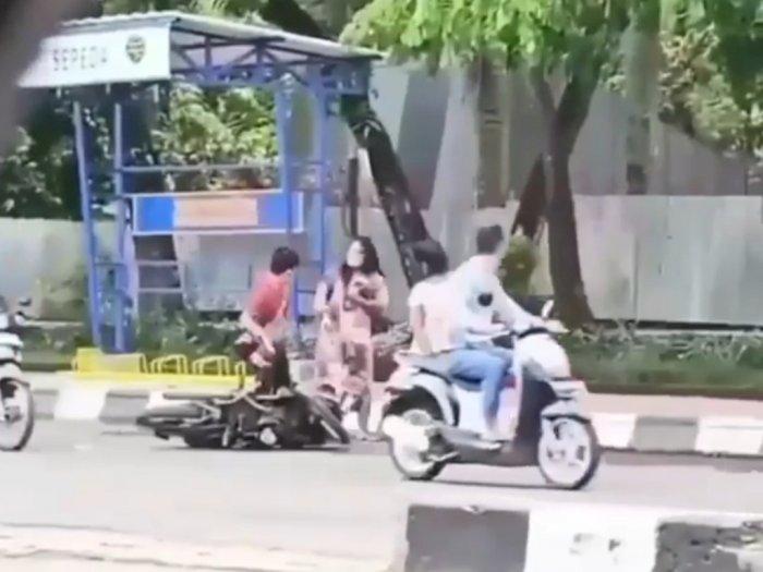 Viral Video Dua Wanita Bertengkar di Jalan dengan Seorang Pria, Ini Faktanya