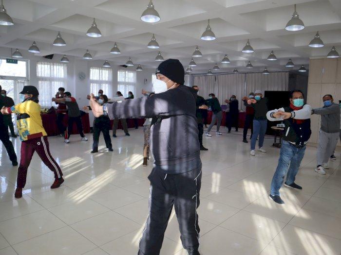 FOTO: Olahraga di Tengah Pandemi di KBRI Beijing