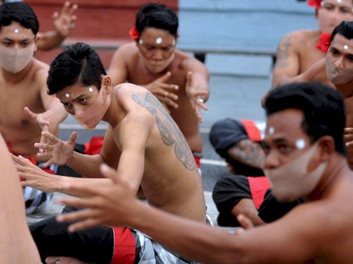 FOTO: Tari Kecak Uluwatu Ditiadakan Sementara