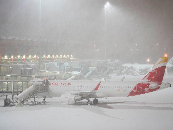 FOTO: Badai Salju di Madrid Mengganggu Sejumlah Perjalanan